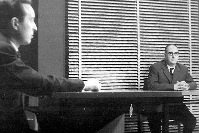 S'hagués convertit Alexandre Deulofeu en un personatge mediàtic? Als estudis de Miramar, amb Lluís Miravitlles. Imatge provinent del llibre: Alexandre Deulofeu. Edició de l'Institut d'Estudis Empordanesos. Pàgina 111.