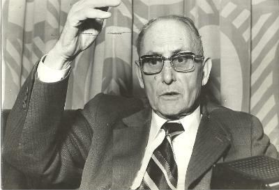 Alexandre Deulofeu, parlant assegut.
